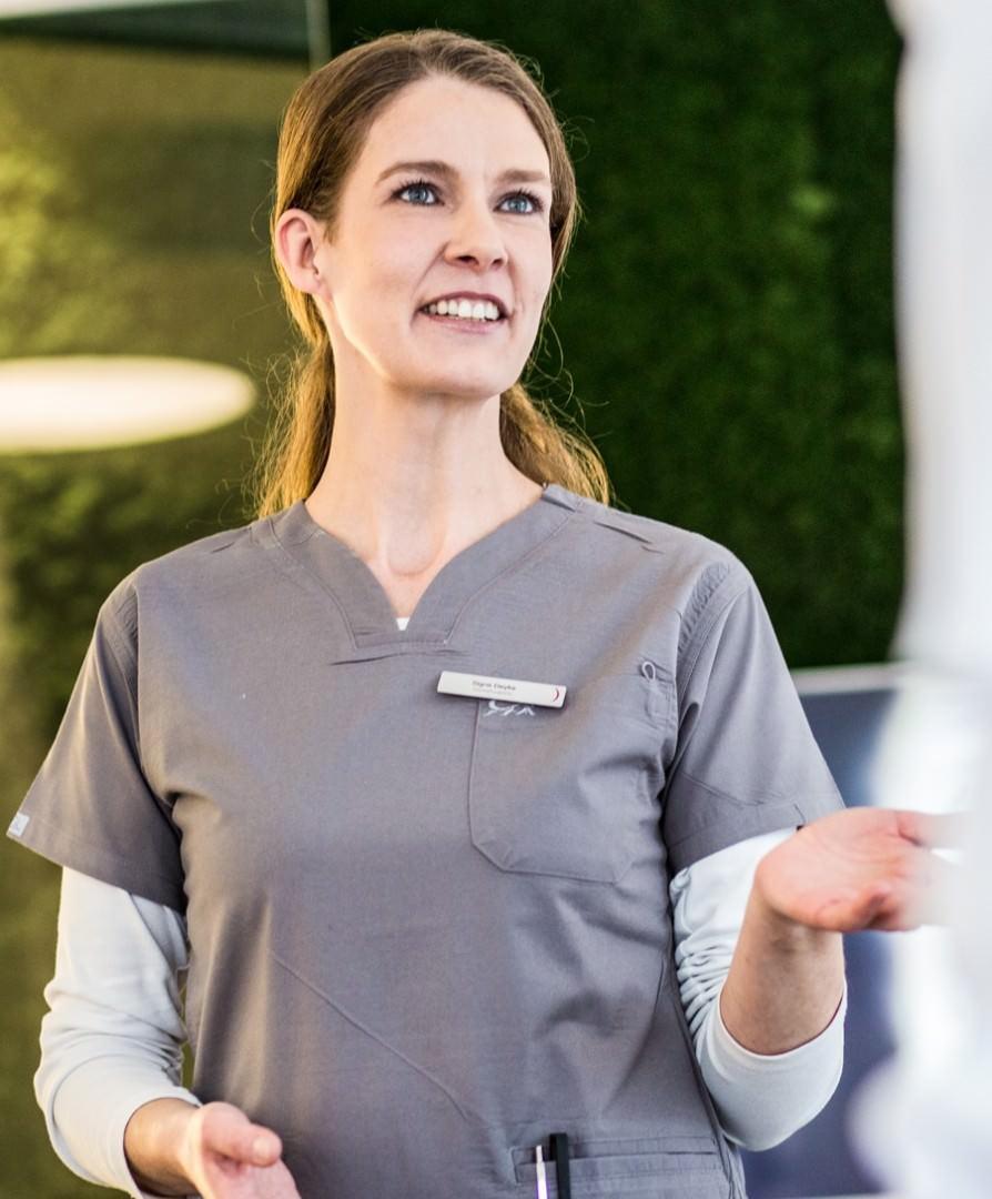 Signe Deyke | Ihre Spezialistin für Dentalhygiene und Prophylaxe in Köln