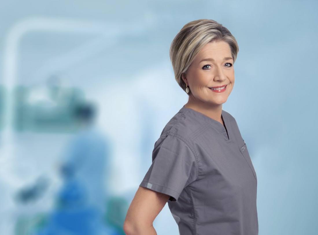 Elke Wutzke | Ihre erfahrene Ansprechpartnerin für Dentalhygiene und Parodontologie in Köln