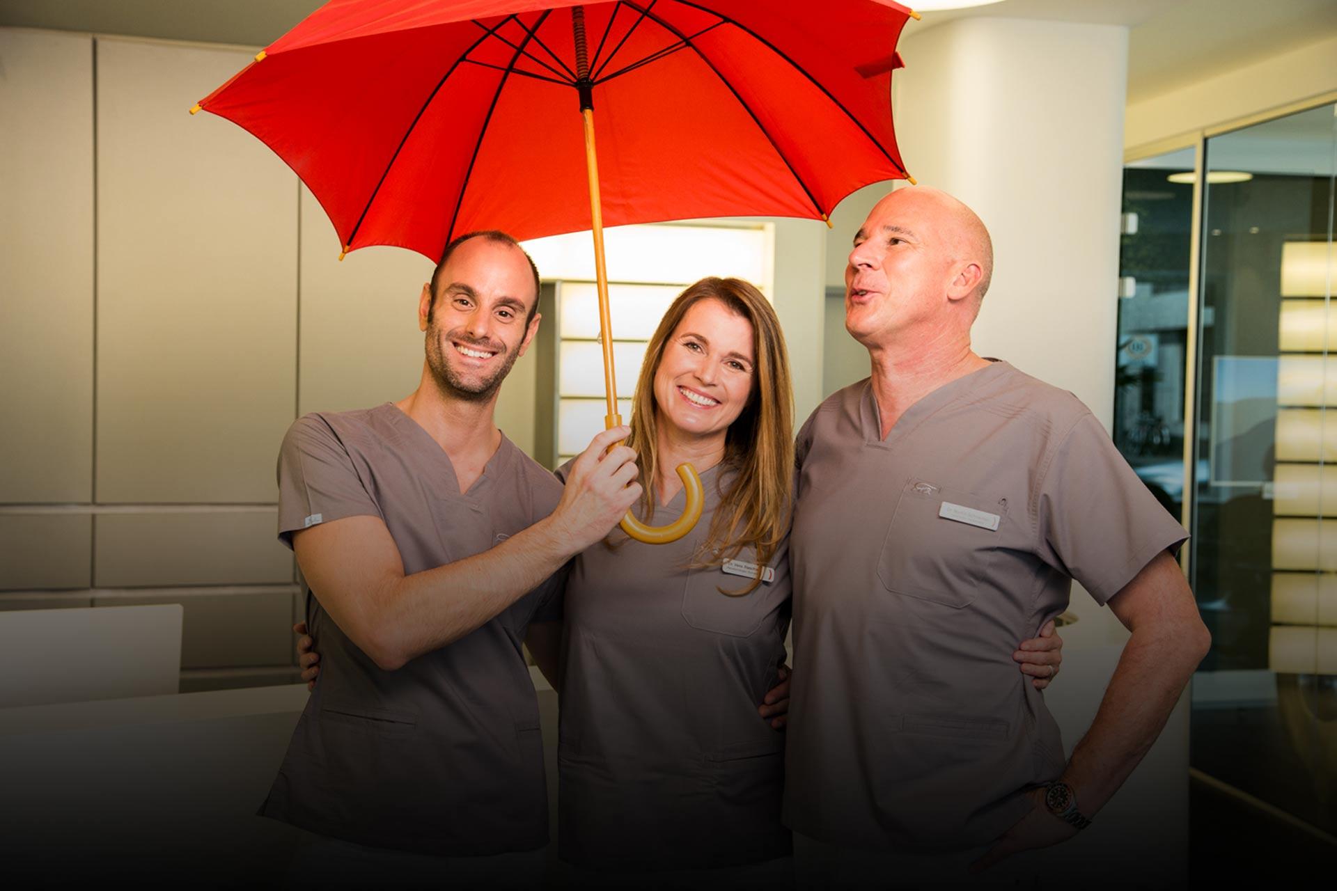 Zahnkultur Köln: Unsere Zahnärzte lassen Sie nicht im Regen stehen!