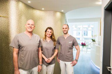 Zahnarzt Köln - Dr. Schneider, Dr. Rasche und Dr. Bechtold freuen sich auf die Patienten der Zahnarztpraxis Zahnkultur