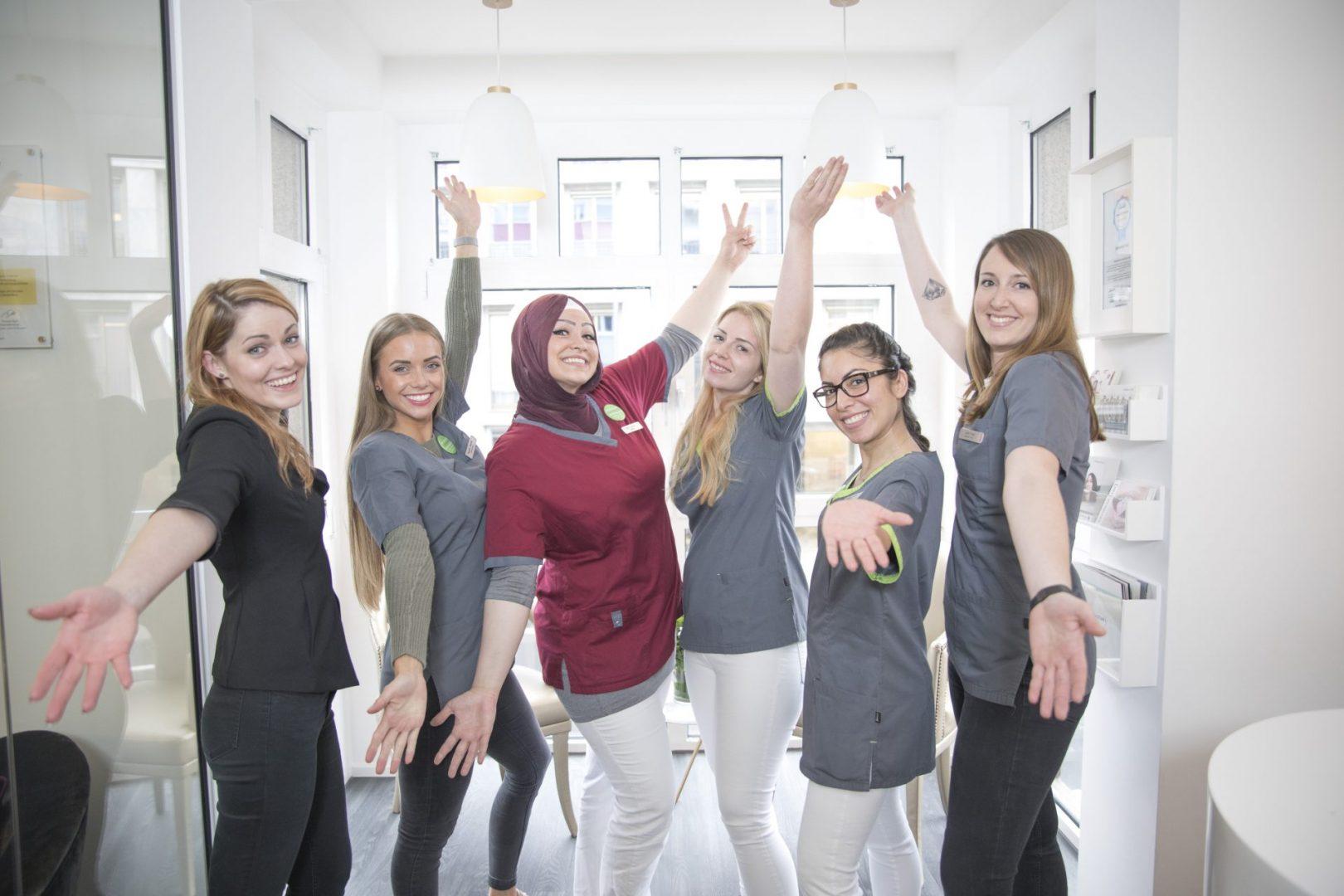Zahnarzt Köln | ZAHNKULTUR) ist online